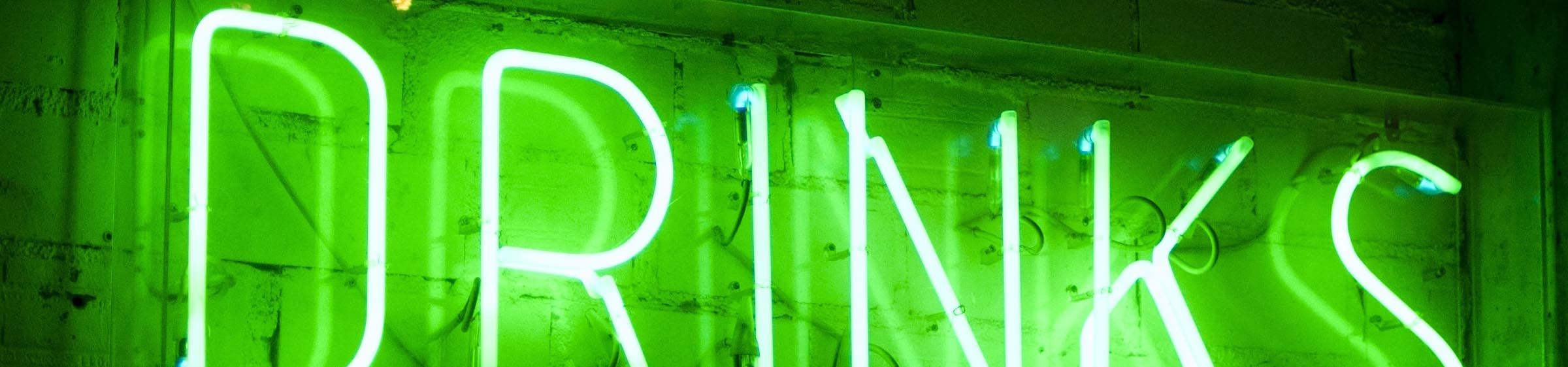 Neon 'Drinks' sign
